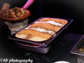 Engelenhaar-pasta met bloemsuiker, kaneel en amandelen (sfa)