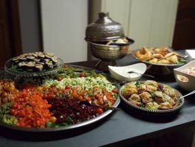 Buffetje aan huis geleverd zowel warme als koude gerechten
