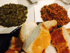 Tapas gemaakt van verse verse tomaten, paprika en courgette